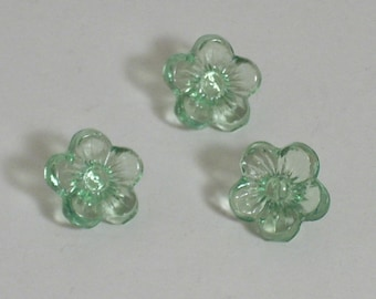 10 green 10mm acrylic flower beads