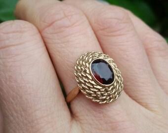 Garnet ring, vintage garnet ring, 9ct yellow gold 70's garnet ring
