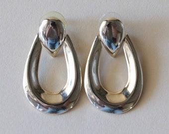 Vintage Gold Pierced Tear Drop Dangle Earrings, Long Drop Earrings