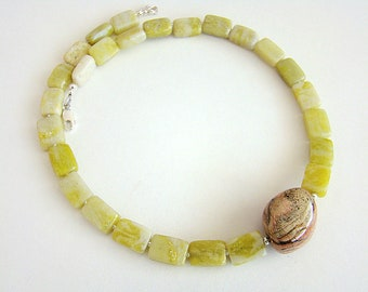Lahaina Necklace, Silver Leaf Agate Necklace, Peridot Jasper Necklace, Chunky Agate Bead Necklace, Green Jasper, Boho Jewelry, Resort Style