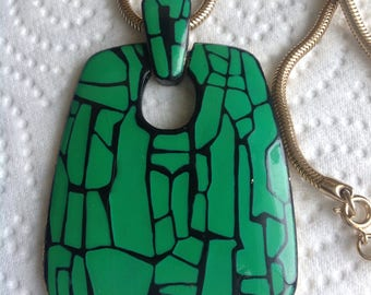 Retro vintage Eisenberg Mod pendent necklace with green and black enemal on gold tone  serpentine necklace