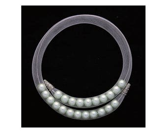 Mesh tube necklace with pearls