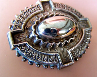 "Vintage 50's  Sterling Silver ""OVAL 3 DIMENSIONAL DESIGN"" Brooch / Pin  Mayan Inspired"