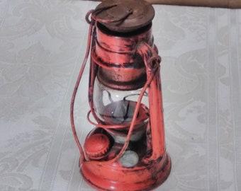 "Vintage Lantern Wingedwheel No. 350 7"" Small Kerosene Table Light"