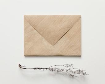 Envelope with wood look - beech (big)
