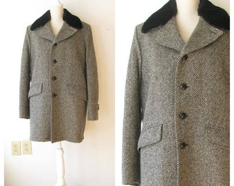 Vintage Mens Winter Wool Coat/ Mens Black and White Wool Jacket/Removeable Faux Fur Collar/Trench Coat/ size 42