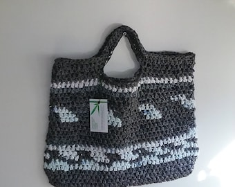Plarned Gray/White Tote Bag with Handle made with recycled plastic shopping bags.