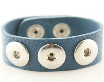 22cm Teal soft leather bracelet