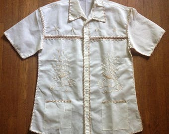 SALE:  1970s Short Sleeve Embroidered Seam Shirt Philippines
