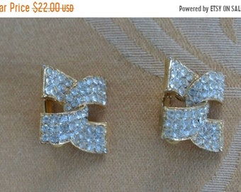 On sale Pretty Vintage Rhinestone Entwined Knot Clip Earrings, Gold tone (M11)