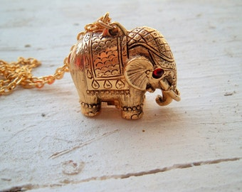 Vintage Elephant Locket, Perfume Locket,vintage Locket, Circus Animal Locket,  Elephant Jewelry, Pill Box Necklace,Max Factor Tiny Tusker