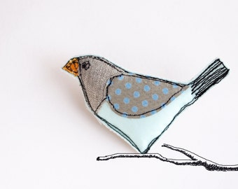 Little Birdie - Freehand Embroidery Fabric Brooch / Badge