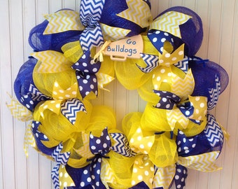 Cheerleader wreath, custom deco mesh cheerleading wreath, cheer wreath, megaphone, cheerleader door hanger, cheerleading, custom cheer