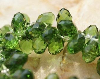 Emerald Green  Briolette. Crystal teardrop. Jewelry supplies. set of 10 pcs 11x16mm