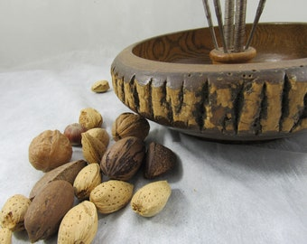Vintage Wood Nut Bowl Mid Century Tree Bark Nut Bowl Fall Autumn Entertaining Cabin Decor