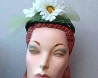 Green Straw Braid Headband Headpiece,  Emerald Green Braided Straw Headband with White Daisies