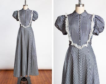 STUNNING Vintage 1940s Blue Gingham Checked Taffeta Evening Gown with Puffed Sleeves & Lace Details // So KATHARINE HEPBURN // Old Hollywood
