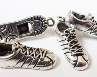 5, Gym Shoe Charms 28x9mm ITEM:J14