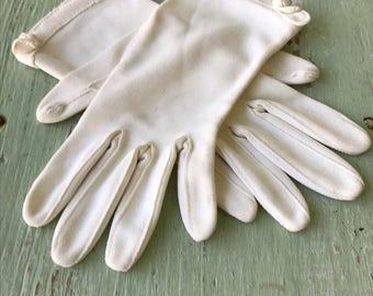 Vintage Gloves, White Gloves, Creme Gloves, Formal Gloves, Evening Gloves, Women's Dress Gloves, Vintage White Gloves, Dress Gloves, Gloves