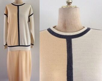 1980's does 1920's Peach, Navy, & Cream Sweater Dress Dropwaist Vintage Dress Size Medium Large by Maeberry Vintage