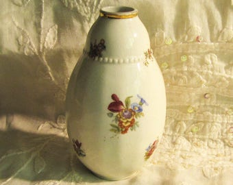 Small vase with floral pattern and gold rim