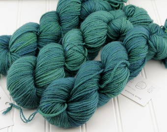 Plush Worsted, 4 oz - Sea Nymph - 100% superwash merino hand dyed, tonal semisolid yarn