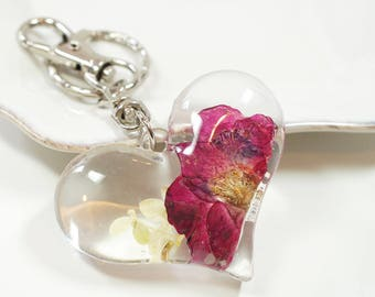 Red Rose keychain/keycharm, Real Flower - big heart clear resin, real pressed flower, red, mini rose, garden on your hand, botanical