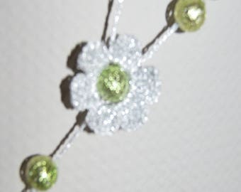 Necklace strand wire crochet silver embossed (ref 14) Green beads