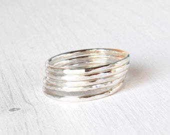 GET 1 FREE WITH Five Stackable silver rings, hammered rings in shiny silver, stacking silver rings simple silver skinny stacking rings