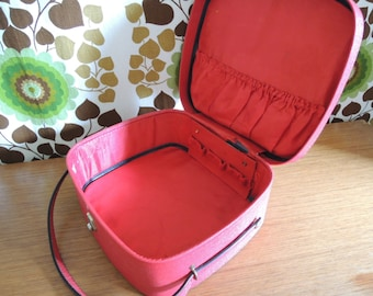 Lovely Vintage Red Vanity Case / Cosmetic Case / Suit case / 50s 60s