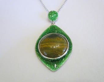 enamelled silver pendant; Silver pendant with Jasper; Silver enamelled pendant with Jasper; Crystal; Healing stones;