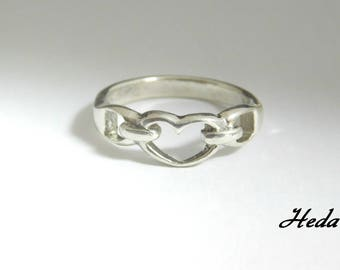 Vintage Sterling Silver Heart Ring ( Size 8 )