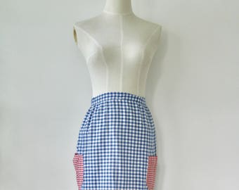 Vintage gingham apron. 1940s apron. Gingham pinafore. Plaid apron. WWII apron. Forties housewife.
