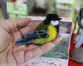 Brooch bird Titmouse