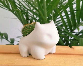 Concrete Bulbasaur Planter Pokemon plant pot
