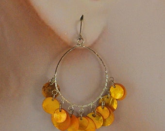 Yellow Gold Mussel Shell Dangle Earrings Boho Shell Earrings Vintage 70 Earrings Gold Shell Earrings Yellow Shell Wire Earrings