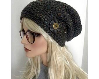Noir bonnet Slouchy Tweed, tuque pour femmes, mode Bohème, Hippie chapeau, chapeau avec bouton, ADO chapeau, les chapeaux des femmes, cadeau pour elle