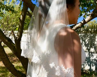 Elbow length Veil Style 21,  Ivory Bridal Veil, Guipure Lace edge