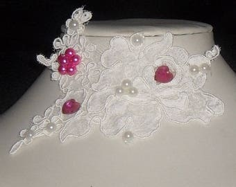 Pink and white lace necklace for the bride.