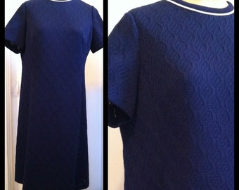 navy a-line dress / textured double knit  / size 14/16