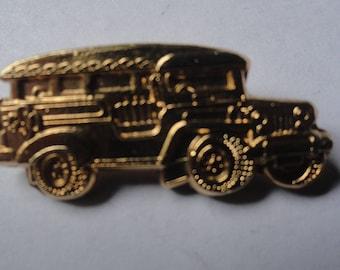 Vintage Gold Tone Old Car Brooch Pin