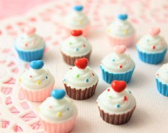 Cupcake cabochons - miniature dollhouse cupcakes - resin cabochons - Decoden Cabochons - 6pcs