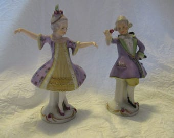 Vintage ceramic Dresden Style Unmarked Courting Couple