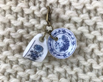 Knitting Crochet Progress Keeper - TEA CUP and SAUCER Stitch Marker - Knit Crochet Charm - Zipper Pull - Delft - Blue Willow - Fairy-Tale