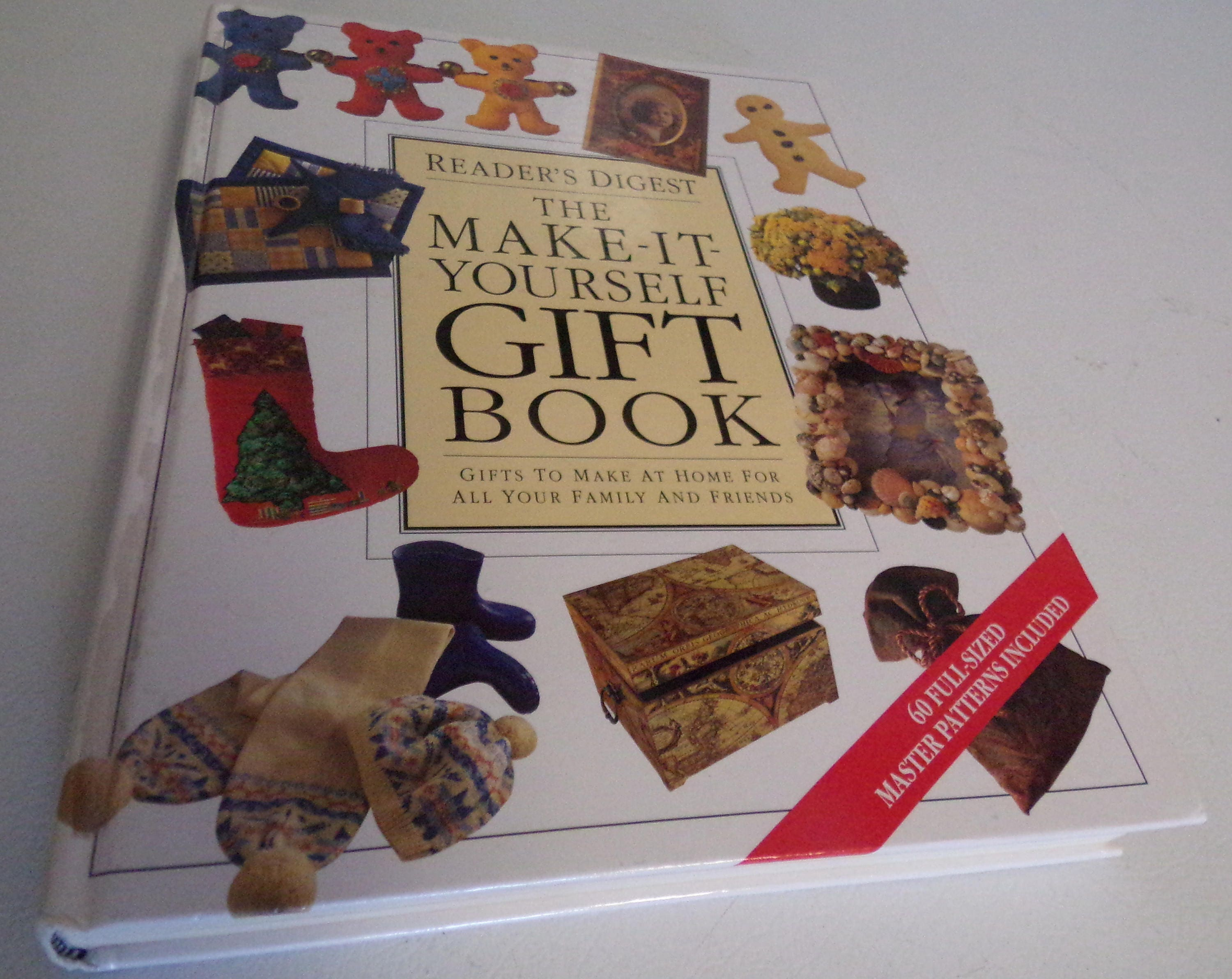 Readers digest the make it yourself gift book 1995 description have a readers digest hard cover craft book called the make it yourself gift solutioingenieria Choice Image