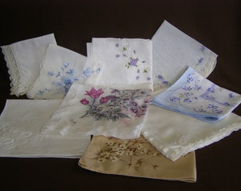 Lot of 9  Vintage Women's handkerchiefs, very good condition, one monogrammed with E (lotc)