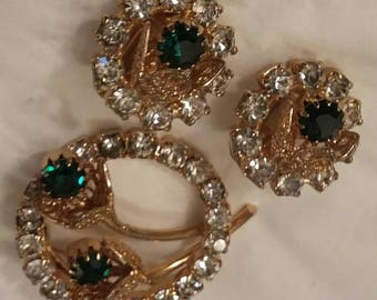 Vintage Costume Jewelry Set of Clip On Earrings and Brooch Pin