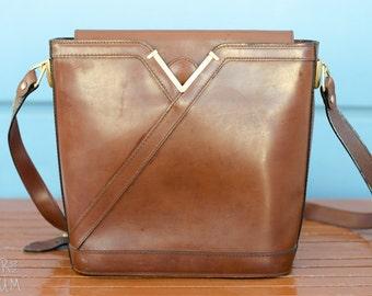 90's Brown Leather Shoulder Bag - 90's fashion - oblong shape