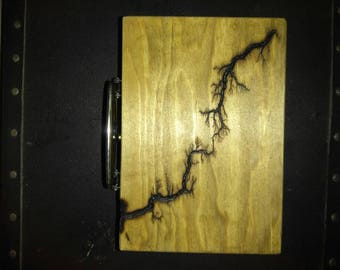 Wooden lunch box