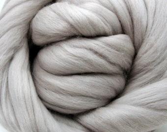 4 oz. Merino Wool Top - Silver Lining